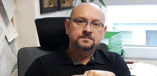 Trest smrti a práce v kamenolomu. Veterán z balkánských misí vidí úpadek bezpečnosti a nebojí se rázných řešení