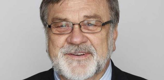 Senátor Doubrava: Platíme si úřední šílence jako je Šabatová
