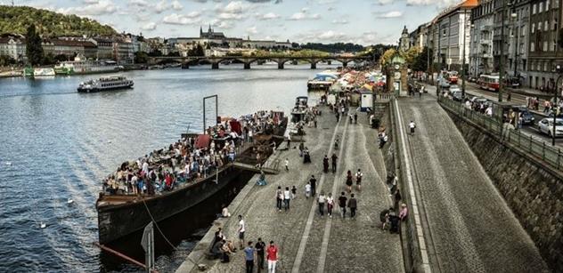 Aktivisté v čele Prahy. Neúnosné. Šéfredaktor odhaluje, proč Čižinský zaplavil Prahu 7 cyklostezkami, po kterých nikdo nejezdí