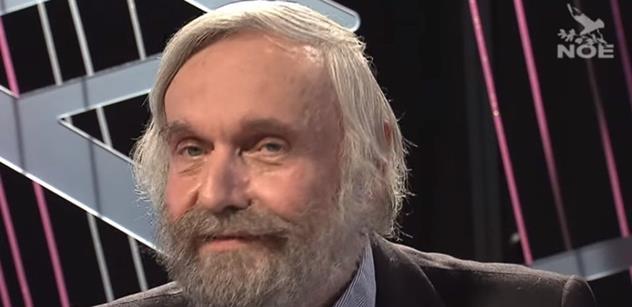 Před osmdesáti lety by si Klaus připnul Vlajku, dneska Trikolóru... Rejžkův parťák Vladimír Just nakládá opožděnému revolucionáři