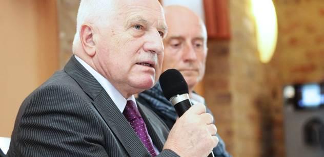 """Oslavenec Václav Klaus: Vždycky jsem se opíral o normální lidi dole. A pak varoval před dnešním ohrožením demokracie """"protikorupční revolucí"""""""