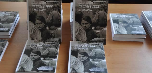 """""""Kdyby ty hovada...!"""" Přemysl Sobotka během křtu nové publikace o srpnu 68 prozradil, jak jsme kvůli řádění Sovětů mohli přijít o Václava Havla"""