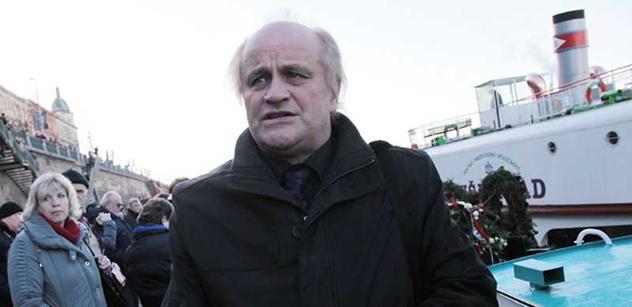 Michael Kocáb pro PL: Miloš Zeman musí odstoupit. Je nemocný, nepoznávám ho. Na Západě si myslí, že jsme blázni. Už nemá právo na nic