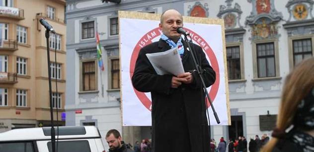 Za nenávist k islámu trestat, utrousil ministr Pelikán. A toto se strhlo