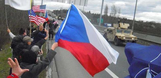 Do ČR přijel americký vojenský konvoj, noc stráví v Praze