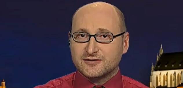 Politolog Kopeček: Země místo svých problémů řeší problémy premiéra. Dopadneme jako Itálie za Berlusconiho...