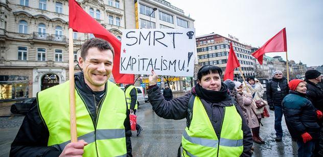 Házel lahve na policisty, teď mladý komunista kandiduje do EP. S velkými plány