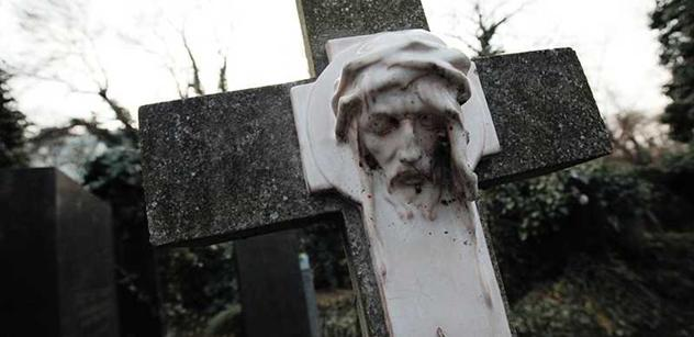 Hledá na Ukrajině mrtvá těla vojáků a o Sobotkových slovech říká, že jsou urážlivá