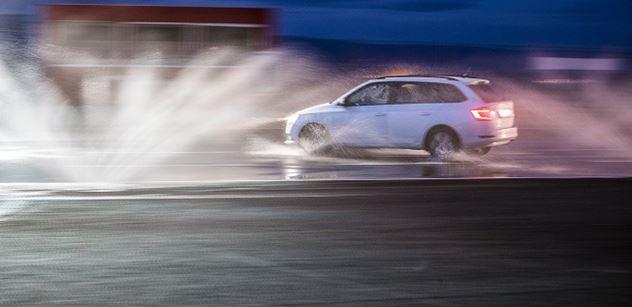 Autodrom Most: Premiérový noční kurz bezpečné jízdy už vsobotu, poslední místa ještě jsou
