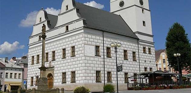 Lanškroun: Kamenné pozůstatky z historie nás Čechy a Poláky spojují neboli Lapidárium
