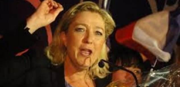 VIDEO Vy katastroficky podivná osobo! Americký televizní komik popřál Le Penové, aby ji okradl imigrant
