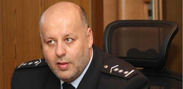 Vyhozený šéf policie Lessy: Jestli nepřestanou s šikanou, jdu za premiérem