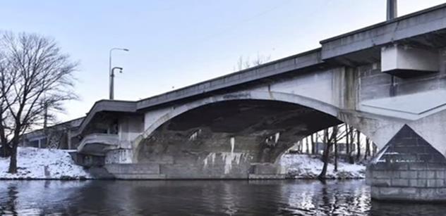 """Jana Kotoučková: Už neplatí tvrzení týmu PRAHA SOBĚ, že Adam Scheinherr """"zachránil jediný most s kubistickými prvky na světě – Libeňský most"""""""