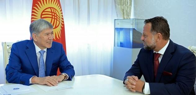 Zakázka v Kyrgyzstánu: Kouzelník Mynář? Nejdřív to nešlo, najednou to šlo. Stačilo, aby se kancléř přimluvil