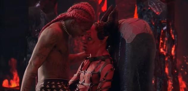 Amerika! Černý gay rapper se svíjí na klíně Satanovi. Ukazuje tím utrpení menšin