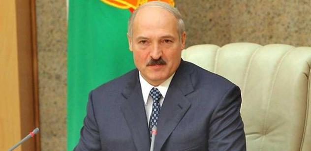 """""""Problémy se objevují nejen uvnitř země, ale i mimo ni,"""" prohlásil Lukašenko a poslal vojáky na západní hranici"""