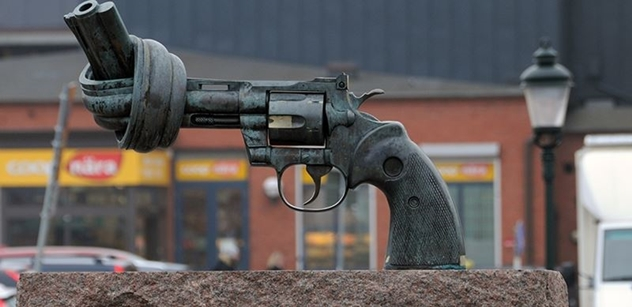 """Ve švédském Malmö se střílelo. """"Příšerné! Lidi, pojďte do ulic!"""""""