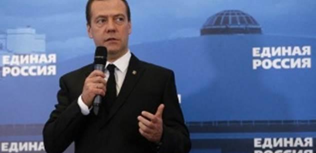 Americké sankce bude Rusko považovat za vyhlášení obchodní války, varuje Medveděv