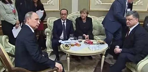 Tereza Spencerová: Porošenko to snad nemá v hlavě v pořádku, naznačil slovutný britský list. Co to papouškujete o Putinovi, čeští novináři?