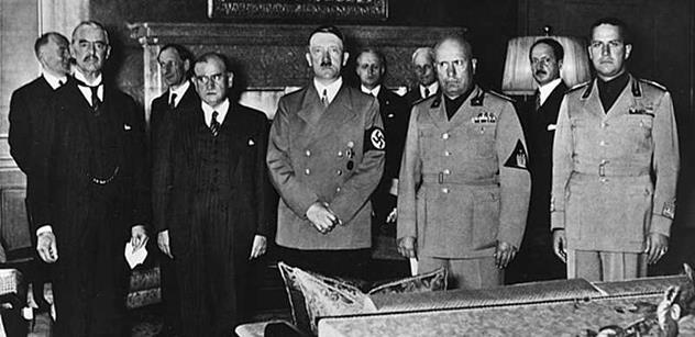 Češi pořád hledají viníky, padlo v debatě o Mnichovu. Beneš by to slízl, i kdyby hnal zemi na jatka