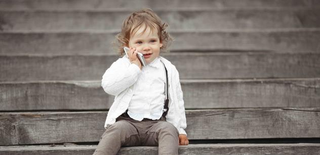 Mobily způsobují dětem bolesti hlavy i ochabnutí svalstva