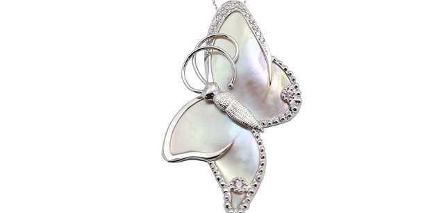 Originální šperky JK Jitka Kudlackova Jewels pomohou k záchraně motýlů