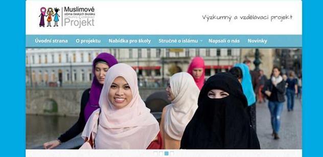 Islám přichází za českými školáky, i za peníze USA. Kníže a Filip to chválí, ale jiní...