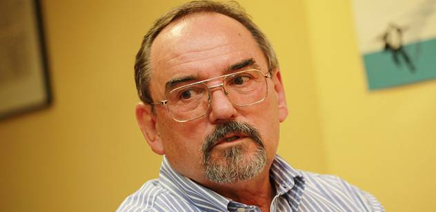 Zkušený český diplomat přiznává: Listopad 1989 řídil Sovětský svaz