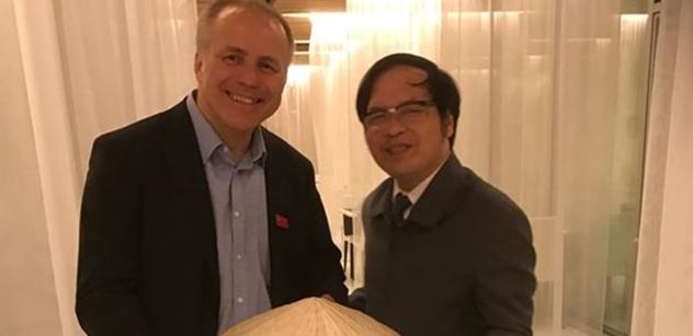Předseda ODA Sehnal jednal s To Hoai Namem z Vietnamu