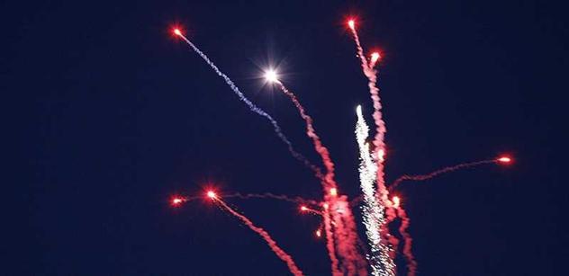 Bezpečné oslavy konce roku 2015 se zábavní pyrotechnikou