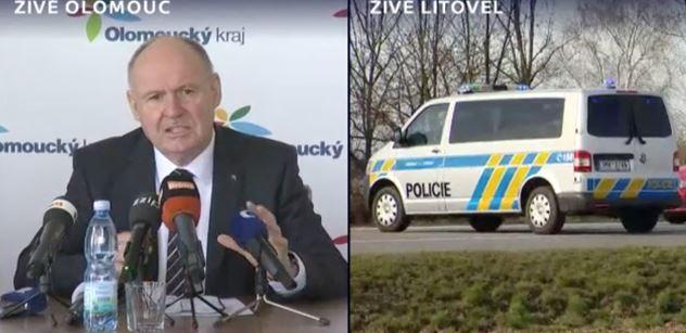 """""""Ty lidi nejsou prašiví!"""" Nakažené Olomoucko: Hejtman jasně odsoudil ty, co chtějí týrat nemocné. Dusný výstup"""