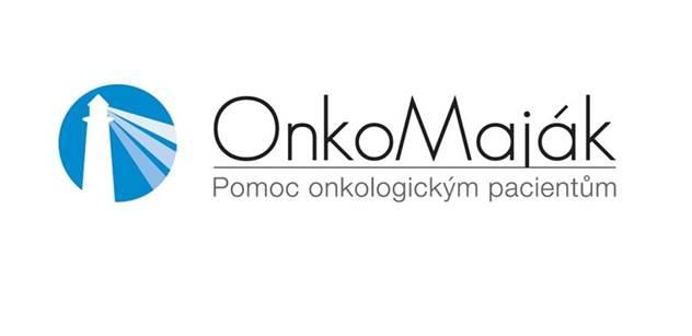 Třímetrové plíce Onkomajáku poprvé představeny na Karlově náměstí v Praze