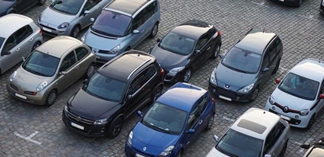 V Praze 4 dnes začaly platit parkovací zóny v nejvytíženějších oblastech
