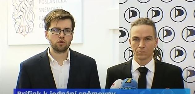 Bartoš s Michálkem brzdí, jenže… Jiní Piráti chtějí rozdávat peníze všem. Plán za 600 miliard ročně