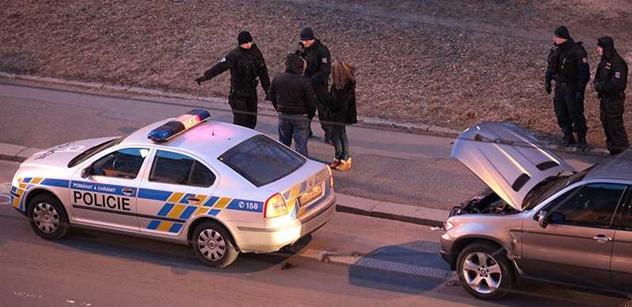 Opilý lobbista Janoušek srazil autem ženu. Bém: Je to jako béčkový thriller