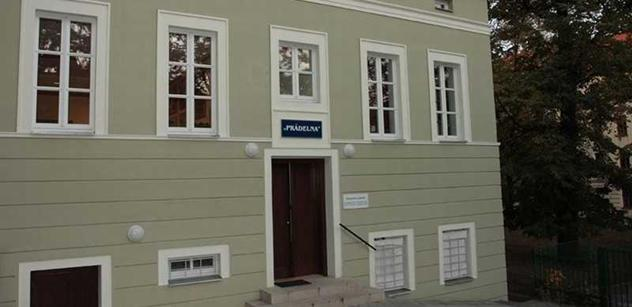 """Praha 5: Plyšový projekt """"Ona a On"""" v Komunitním centru Prádelna"""