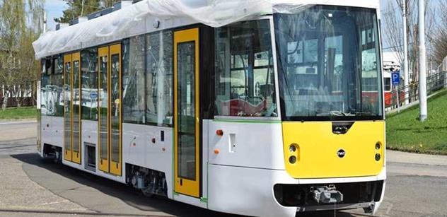 Počet srážek tramvají s chodci se v Praze loni snížil o téměř pětinu