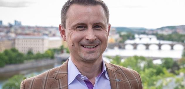 Radní z TOP 09 na Praze 2: Agresor z Ruska je moc blízko. Patříme na Západ. NATO, EU, společná měna