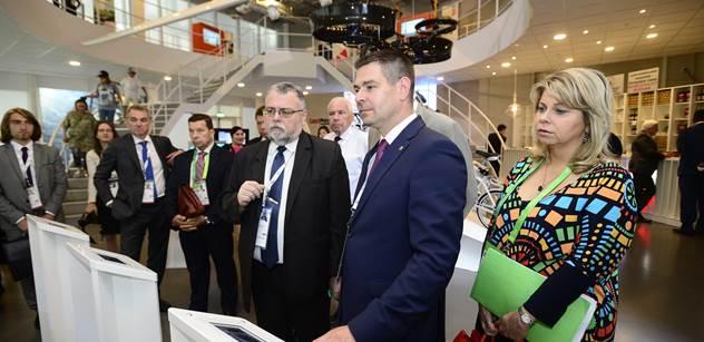 Ministr průmyslu Jiří Havlíček na EXPU v Astaně zahájil Česko-kazašskou konferenci o energetice