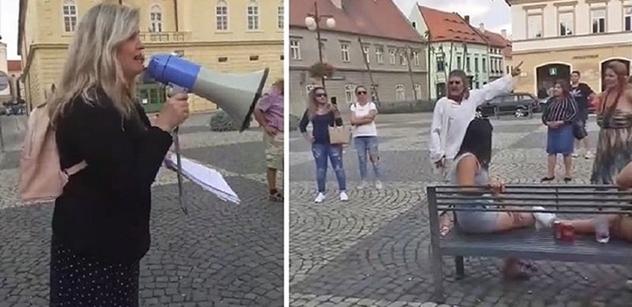 """""""Prymula je Heydrich!"""" Známá aktivistka demonstrovala proti """"koronafašismu"""""""