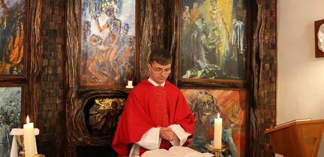 Zneužívají jednotlivci, nikoliv církev, vzkazuje Vítu Klusákovi zástupce katolického kléru nad odmítnutým darem