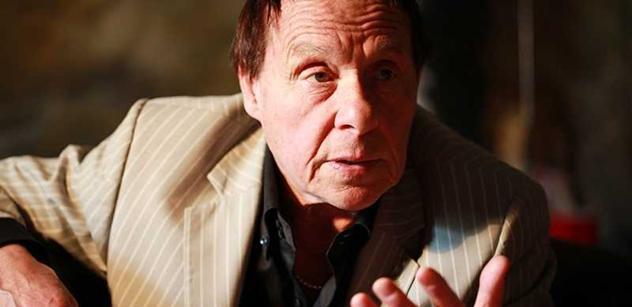 Jan Saudek znovu šokuje: Na Emila Háchu dozorci v pankrácké věznici močili! U Venci Havla zvonili klíči. Chcete vědět něco o Dáše?