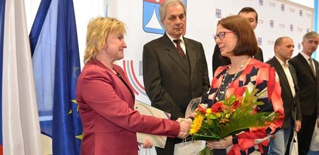 Semily: Mgr. Lenka Holubičková mezi oceněnými  za péči o válečné hroby