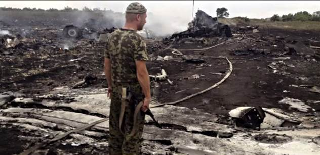 Ukrajinské stíhačky a nápadně podobné letadlo s Putinem. Nové zprávy o sestřelení letadla nad Ukrajinou