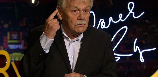 Karel Šíp padal smíchy kvůli covidu: Herec hraje, dokud nechcípne. A teď...