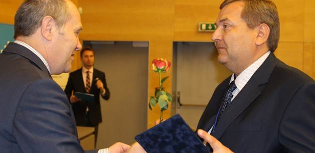 ÚZSVM: Ředitel ÚP Ostrava Karol Siwek byl vyhlášen Osobností veřejné správy 2017