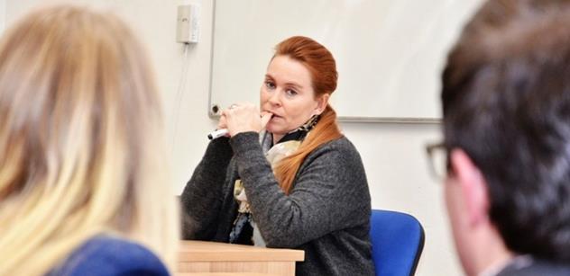 Nečekaná rána Slonkové a Kubíkovi. Moderátor Českého rozhlasu se zhrozil nad jejich reportáží