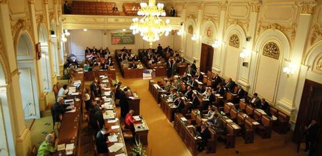 Poslanci dnes budou jednat o energetických štítcích na domech