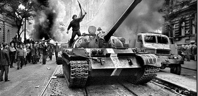 Lidé si dnes připomenou oběti okupace v roce 1968. Vystoupí Babiš
