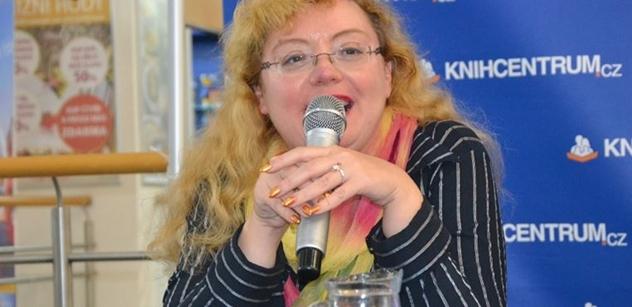 Ilona Švihlíková varuje: Nesplatitelné dluhy. Euro vyvolává krize, jakmile ho máte, je jedno, kdo je u vlády. Kdybychom ho teď přijali...